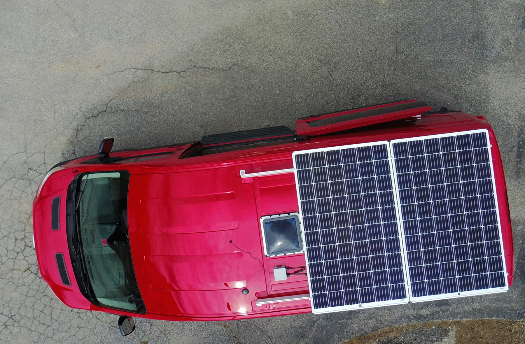 roof-solar-on-cargo-van