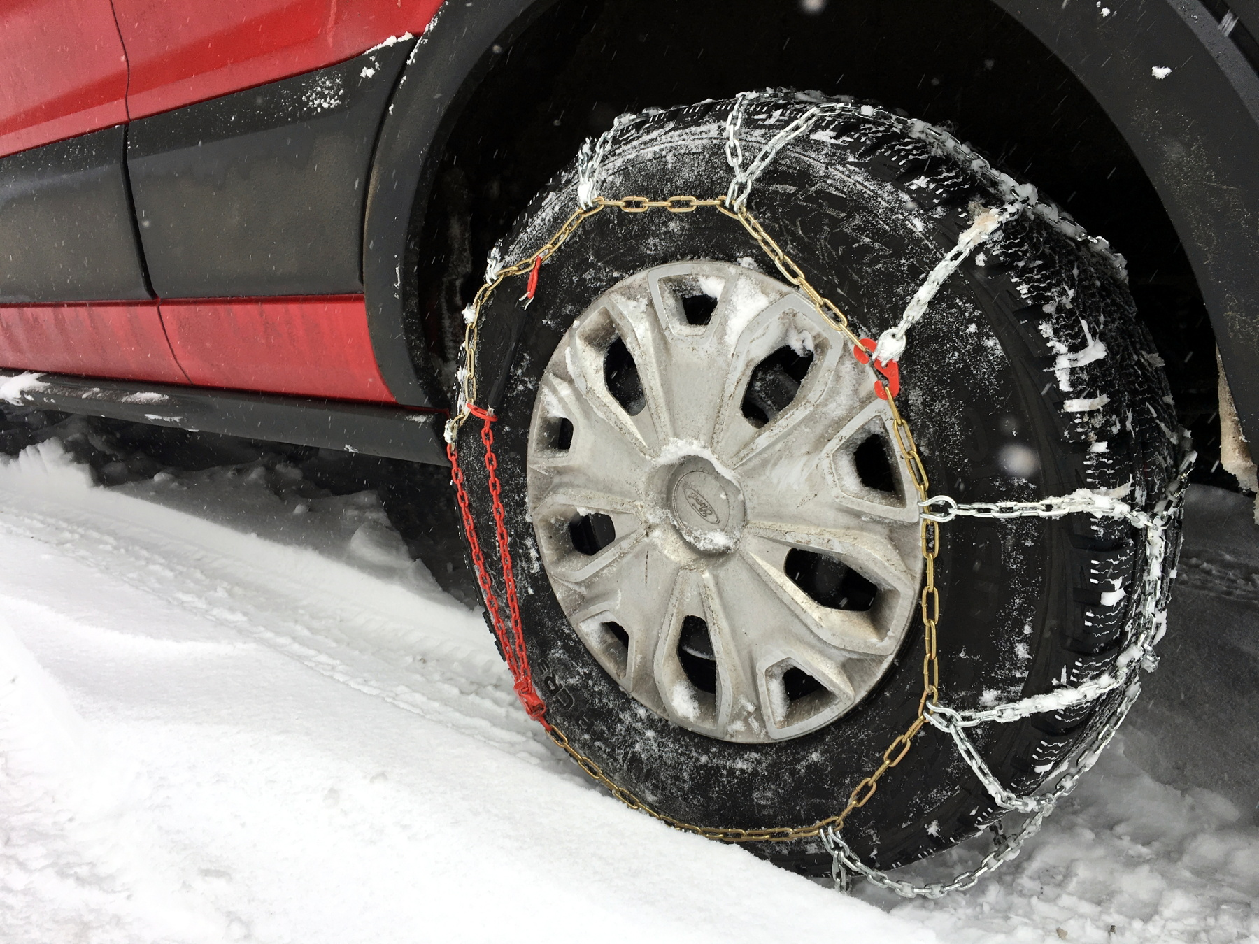 snow-driving-in-cargo-van-with-chains