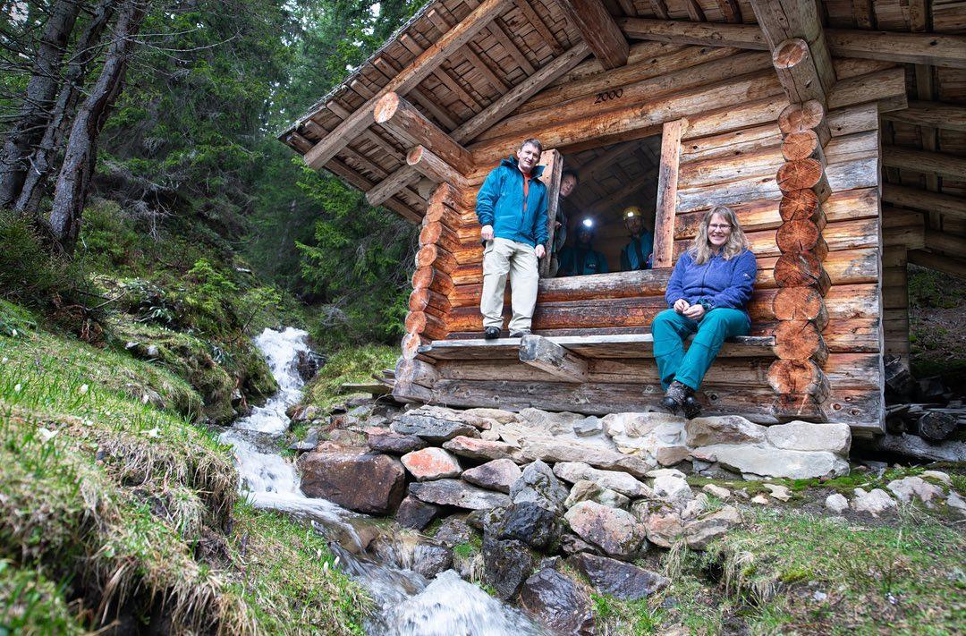 faustloch-cave-hut-switzerland