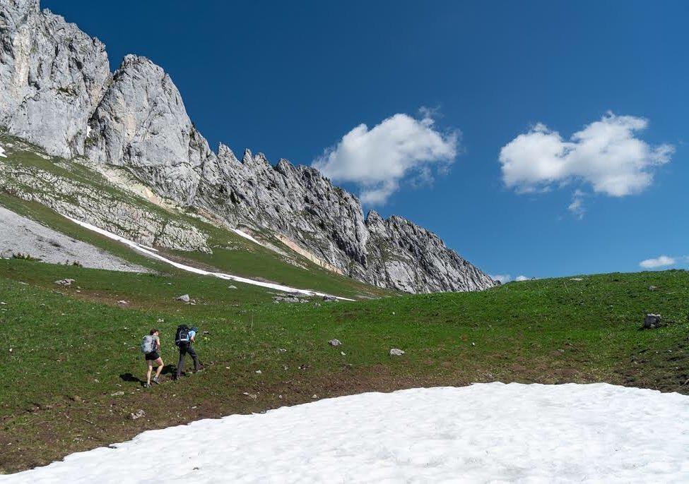 gastlosen-rock-climbing-hike